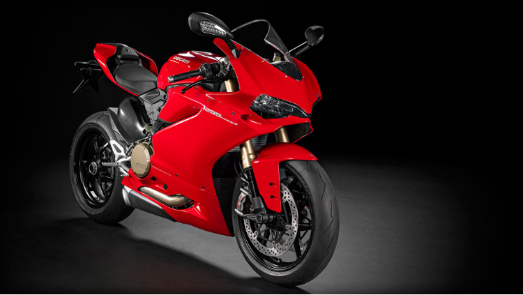/photos-motos/Ducati/1299_panigale/SBK-1299-Panigale_2015_Studio_R_B01_1920x1080.mediagallery_output_image_750x423