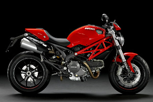 /photos-motos/Ducati/nouveautes/Ducati_Monster_796_rouge.jpg