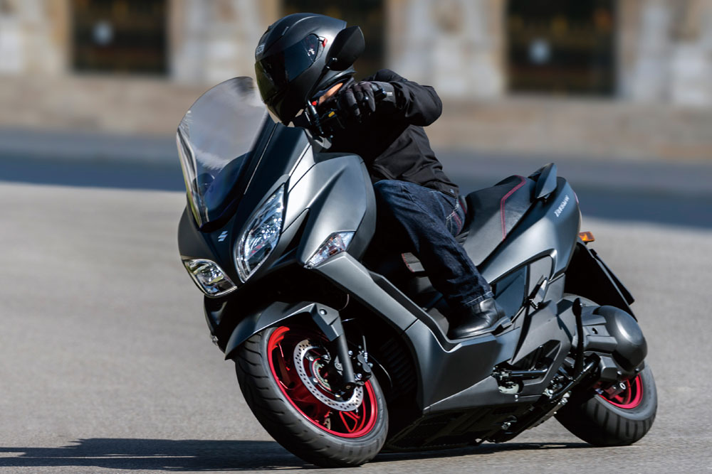 /photos-motos/maxi-scooter-suzuki-burgman-400-ville_hd_(1)