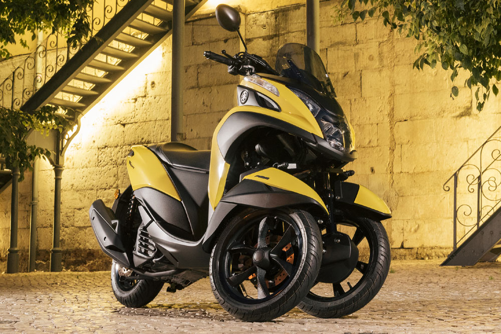 /photos-motos/scooter-3-roues-yamaha-tricity_hd